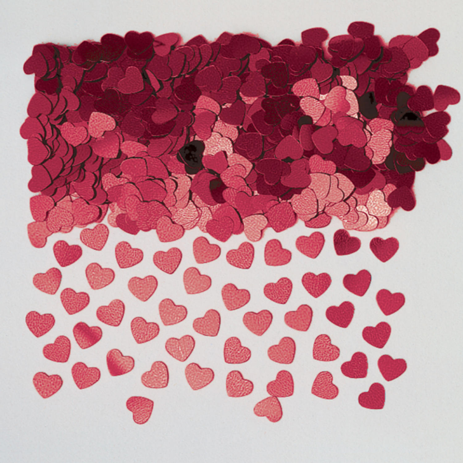 Magenta table confetti hearts